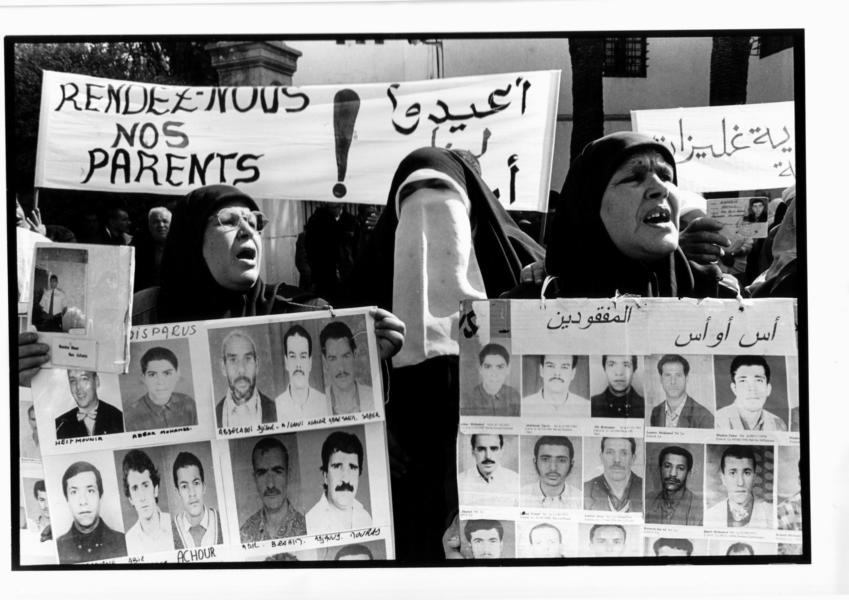 Fotos (1999-2000): Collectif des familles de Disparus en Algérie (CFDA).