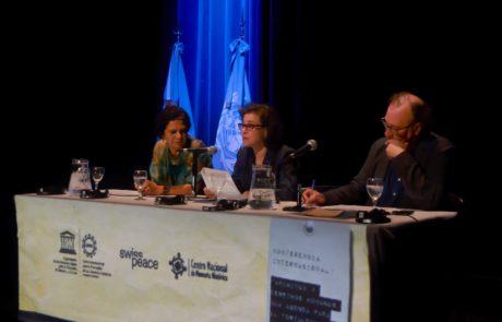 Panel Inaugural de la Conferncia, integrado por Lidia Brito,Directora de la Oficina Regional de Ciencias de la UNESCO para América Latina y el Caribe. Patricia Tapattá Valdez, Directora del CIPDH y Francisco Javier Antich Valero, filósofo y profesor universitario español.
